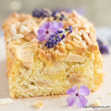 No-flour Apple pie with almonds