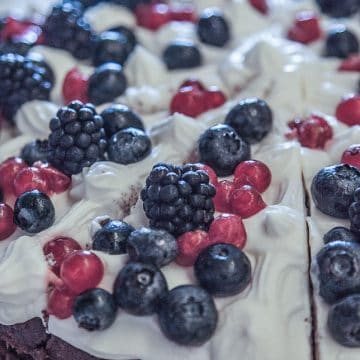 Berry Cream cake with mascarpone and berries