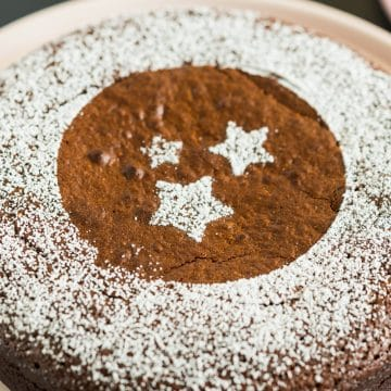 Moist flourless chocolate cake