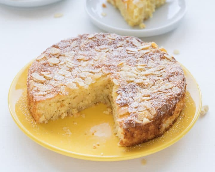 Lemon almond cake with no flour