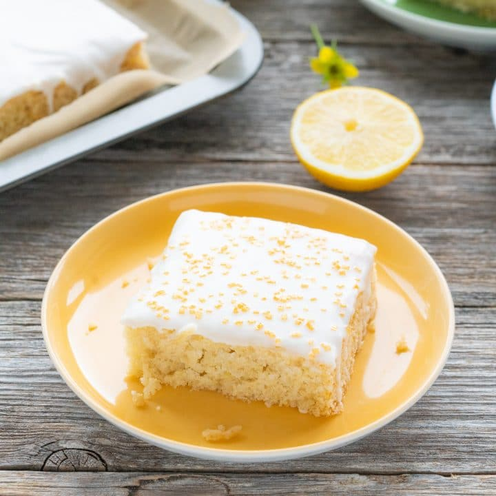 Vegan Lemon Cake without Eggs and Butter