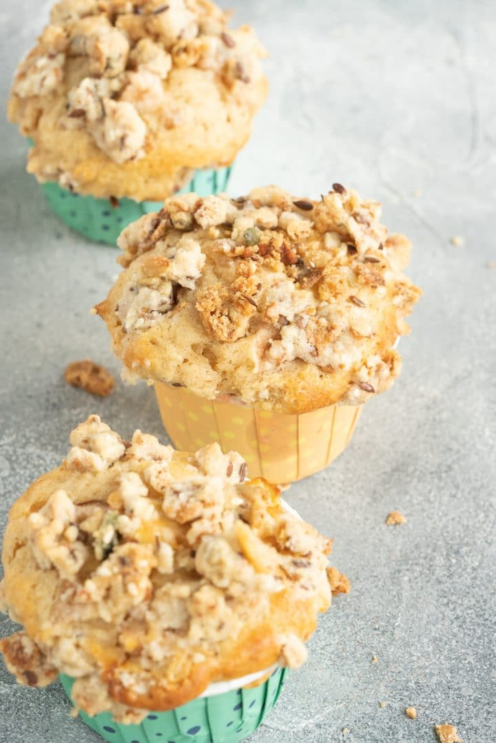 Easy Pear muffins with crumble