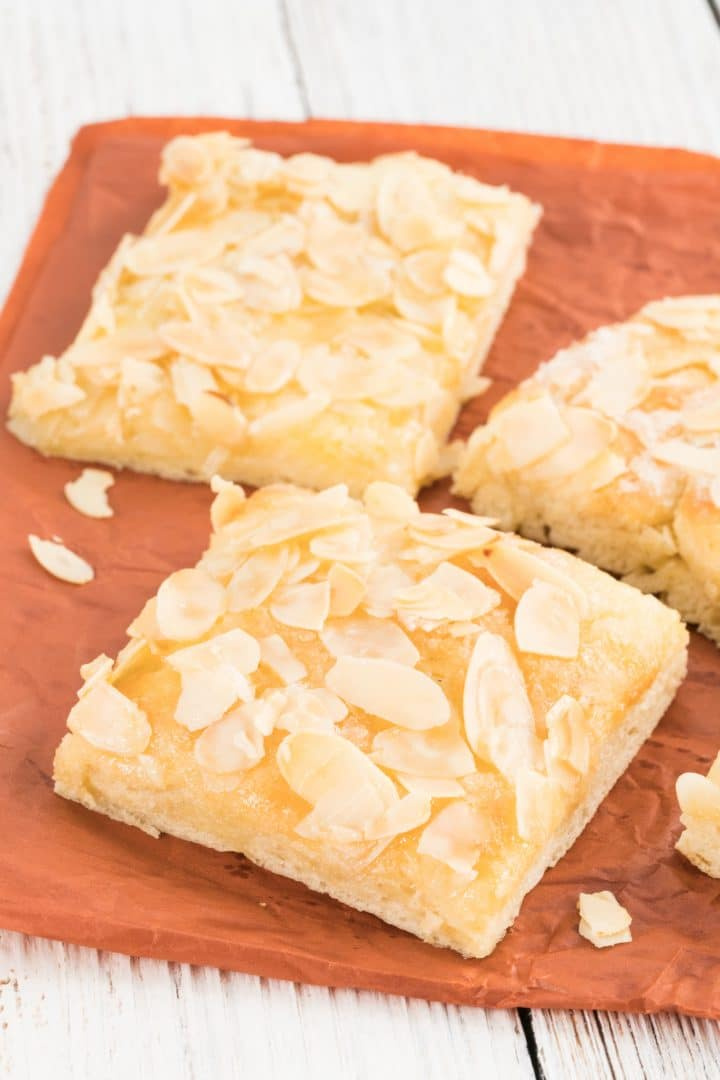 German Butter cake with almond topping recipe
