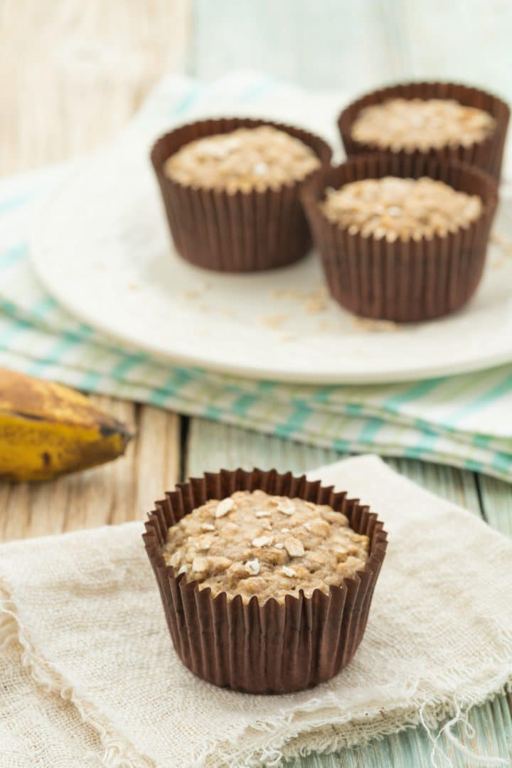 Healthy sugar-free banana-oatmeal muffins