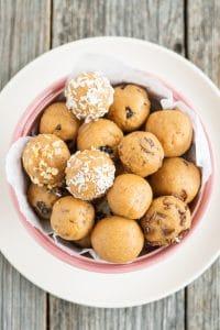 Peanut Butter Protein Balls (5 ingredients)