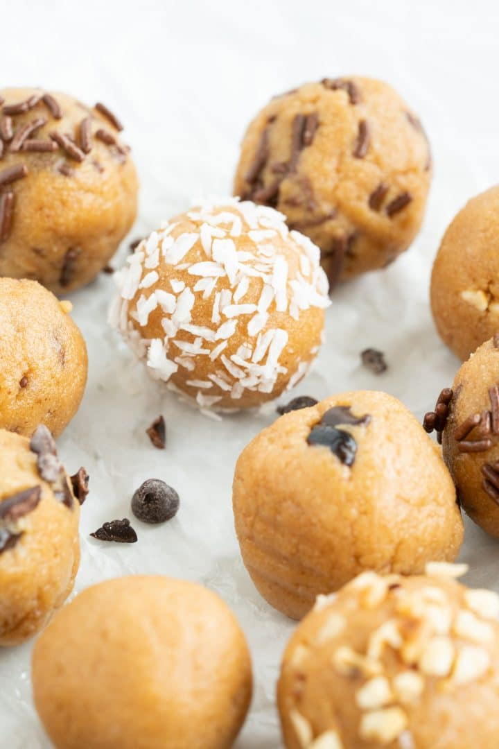 Protein Balls with peanut butter