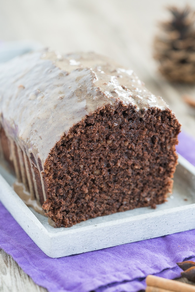 Spice cake with gingerbread spice
