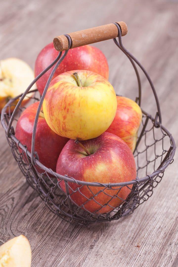 healthy whole grain low-fat apple cake