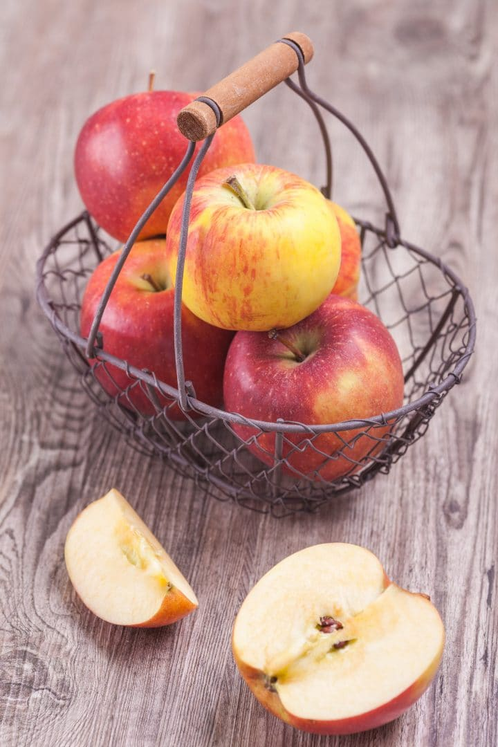 light apple cake low-fat low-sugar whole grain