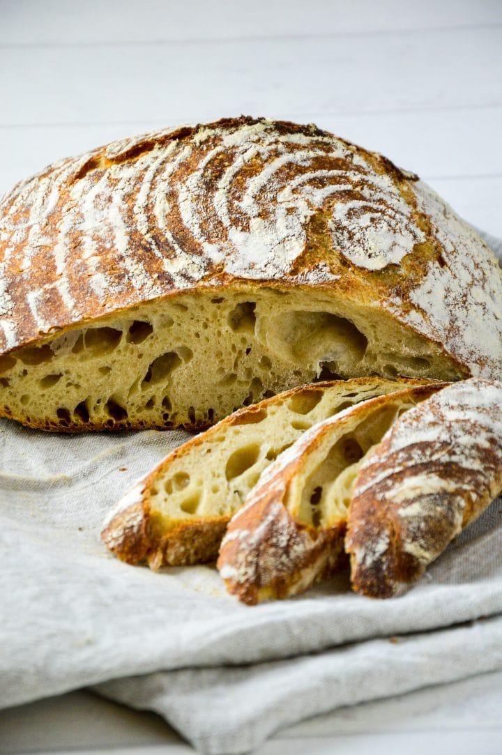 spelt sourdough bread cut
