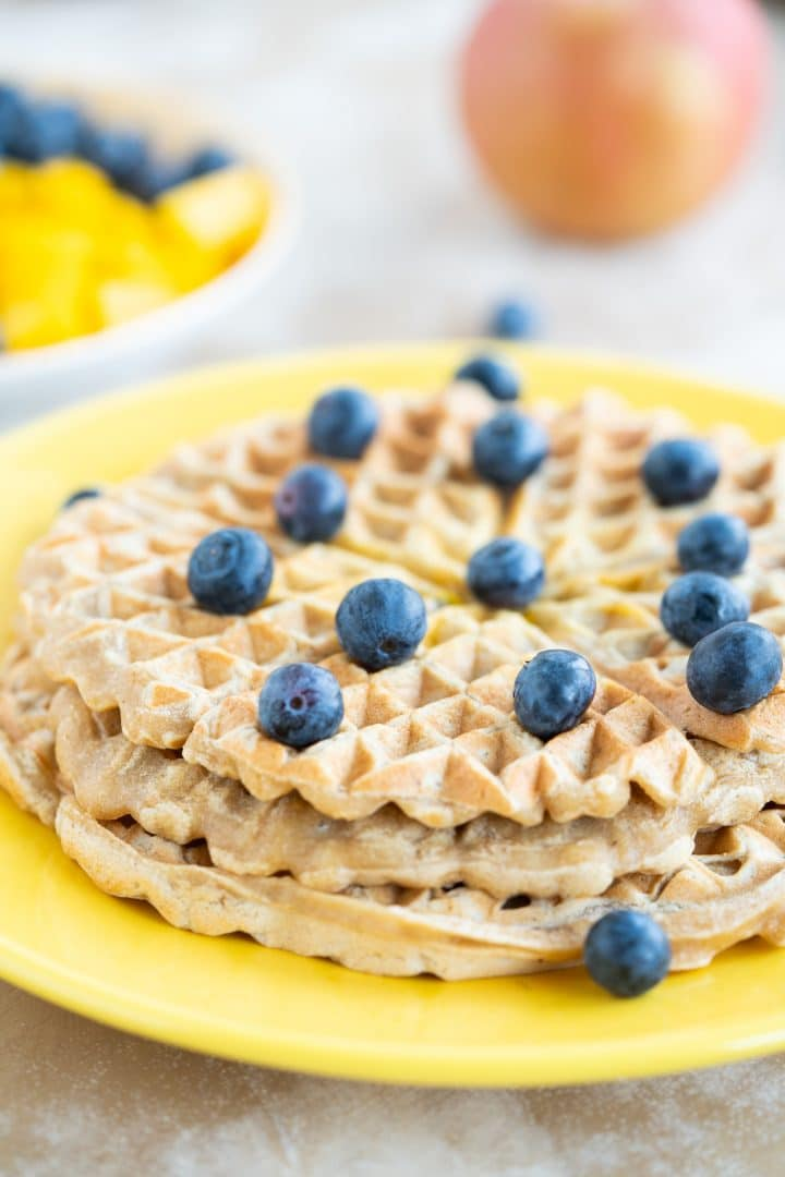 How to make the vegan whole grain waffles delicious