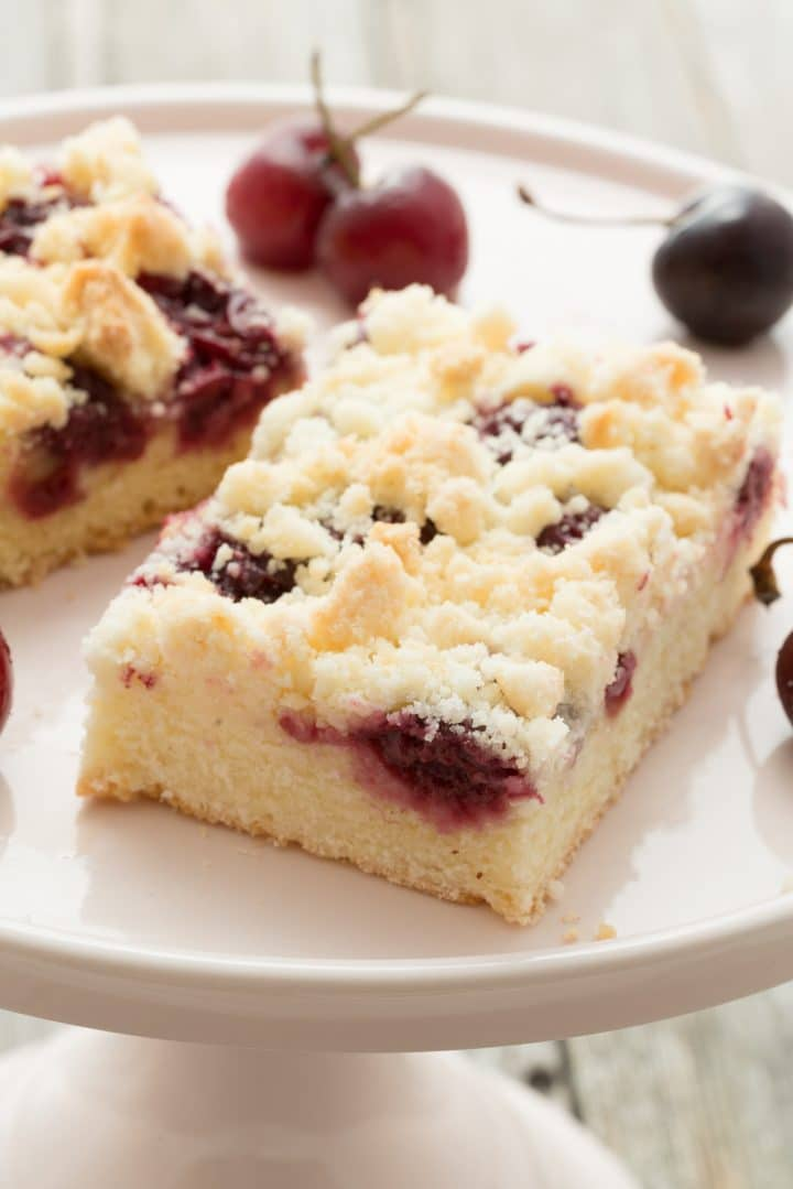 delicious cherry cake recipe easy and fast