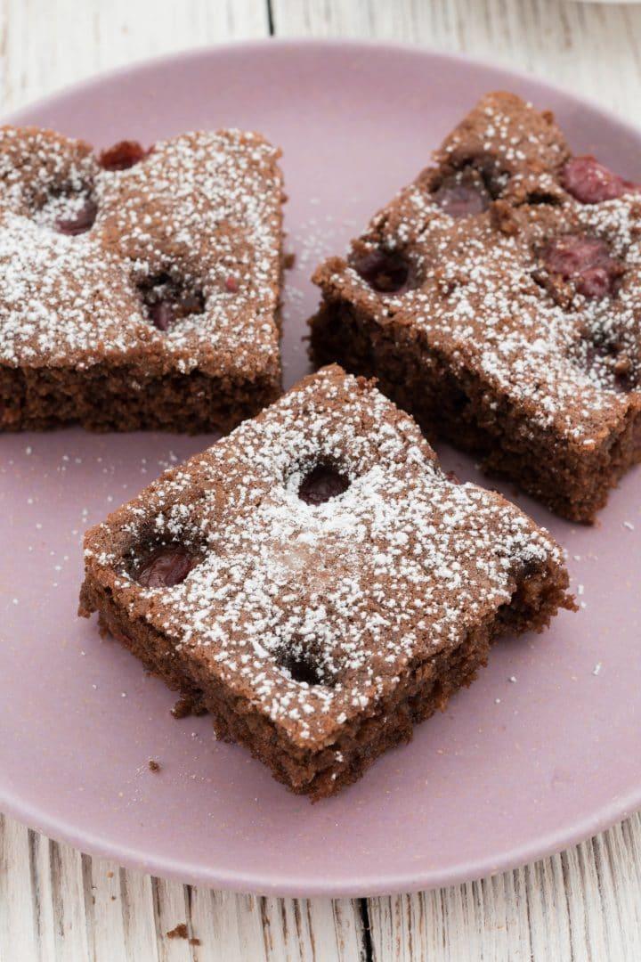 chocolate-cake-with-cherries-recipe
