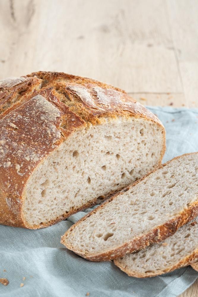 easy-sourdough-peasant-bread