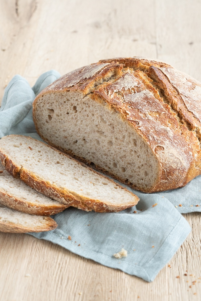 sourdough-bread-without-added-yeast